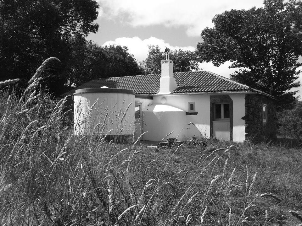 Rehabilitación y ampliación de una vivienda vernácula en Quintelas