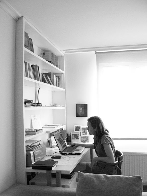 Amueblamiento Estudio para la escritora Luisa Castro