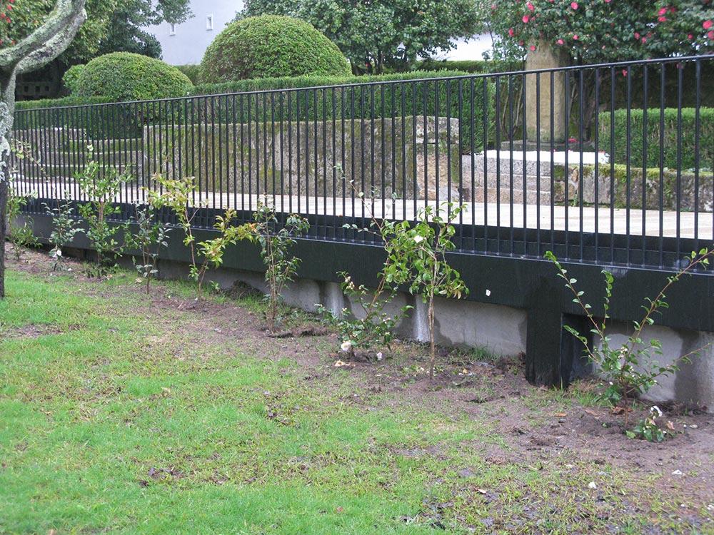 Plataforma de acceso y recepci n a los jardines y casa for Casa jardin de la plata