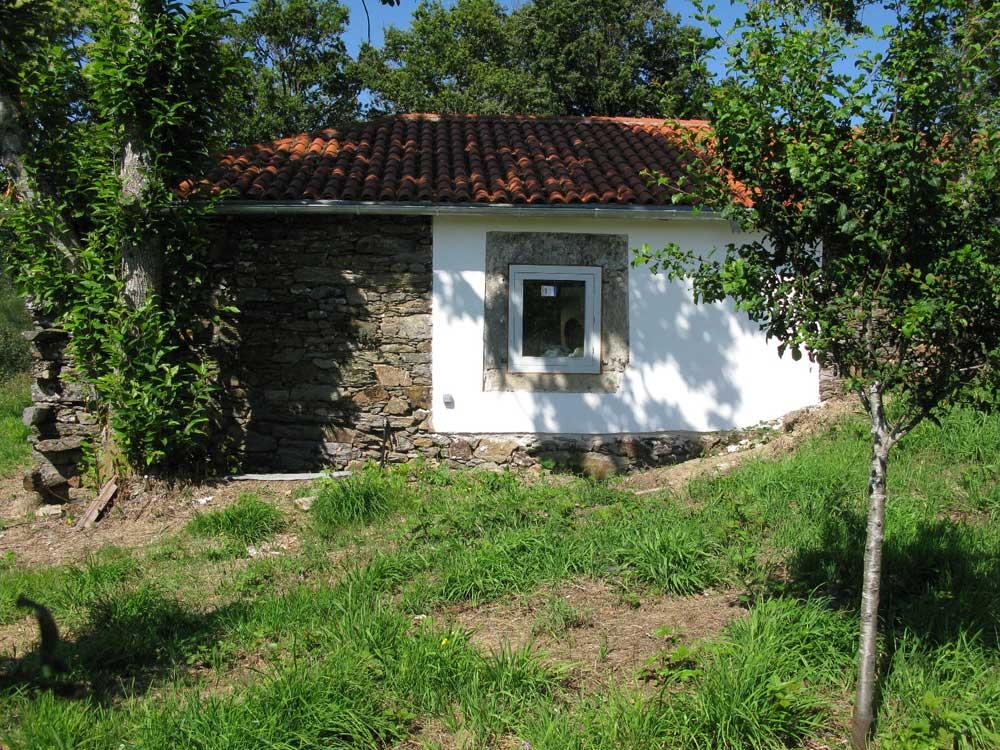 Rehabilitación y ampliación de una pequeña vivienda vernácula en ...