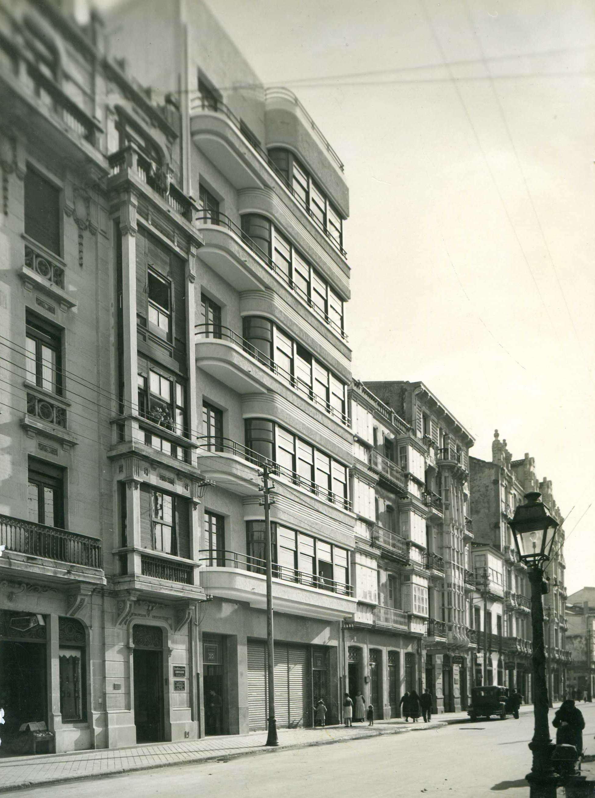 Rehabilitación de vivienda racionalista de Tenreiro y Estellés de 1933. A Coruña